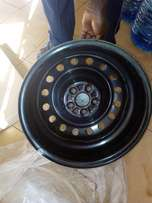 15 inch Toyota 5 hole normal Rims with brand new Wheel Caps