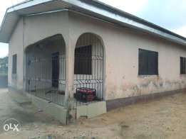 3bedroom Bungalow for sale at Jakpa rd