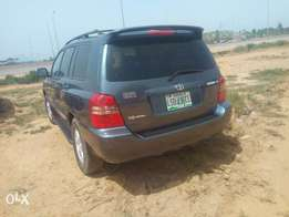 Clean Toyota Highlander in perfect working condition for sale