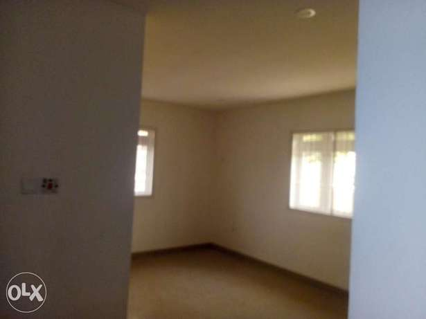 2bedroom apartment located at mabushi by Mobil filling station Wuse 2 - image 6