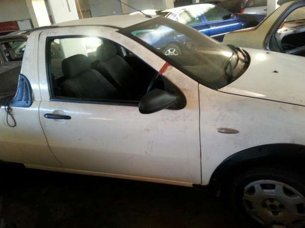Fiat Strader bakkie 1.7 Stripping for parts Krugersdorp - image 4