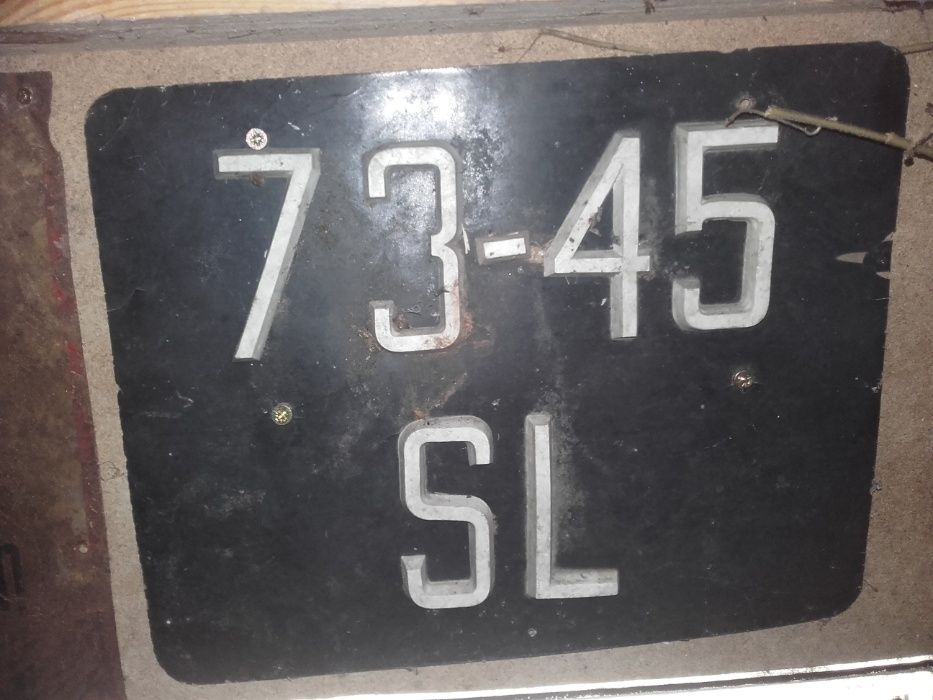 tablice rejestracyjne bez datowania