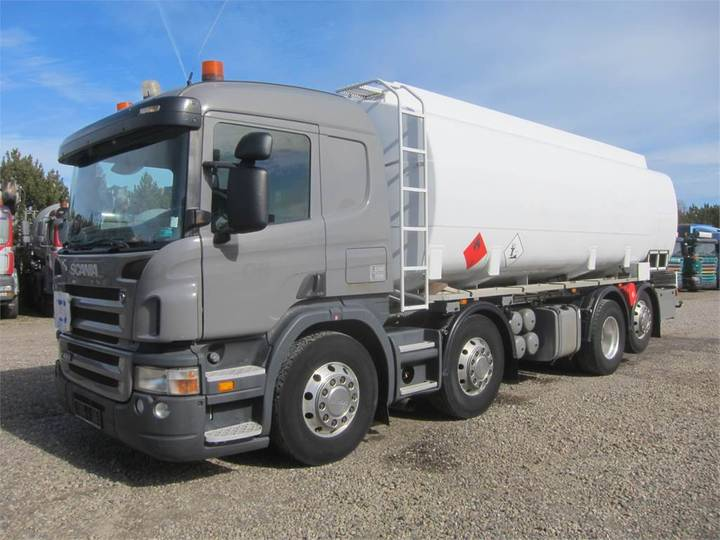 Scania P420 8x2*6 24.000 L Adr - 2005