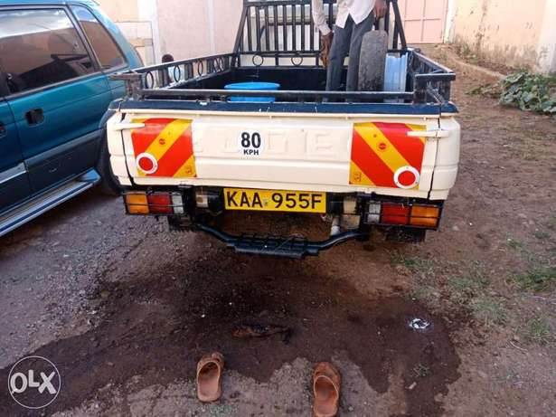 Peugeot 504 pick up for sale, working condition 5 speed inspected. Baba Dogo - image 2