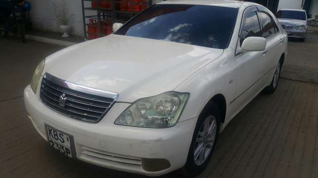 Toyota crown Hurlingham - image 2