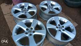 Original Lexus alloy rims 18inch rims in complete set