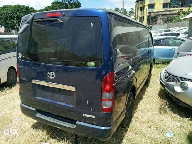 Toyota Hiace Diesel Engine Blue colour Mombasa Island - image 4