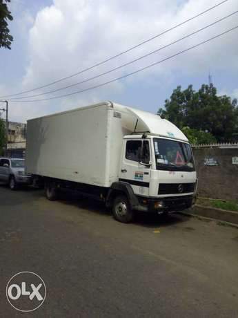 Sparkling Moving truck Tejuosho - image 1