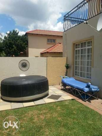 6 seater jacuzzi for sale Brakpan - image 1