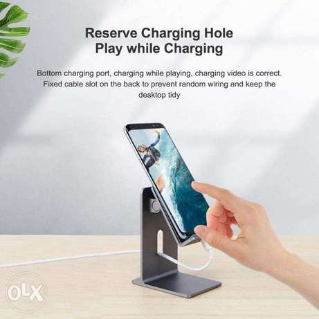 Hagibis Alloy Mobile & Tablet Stand