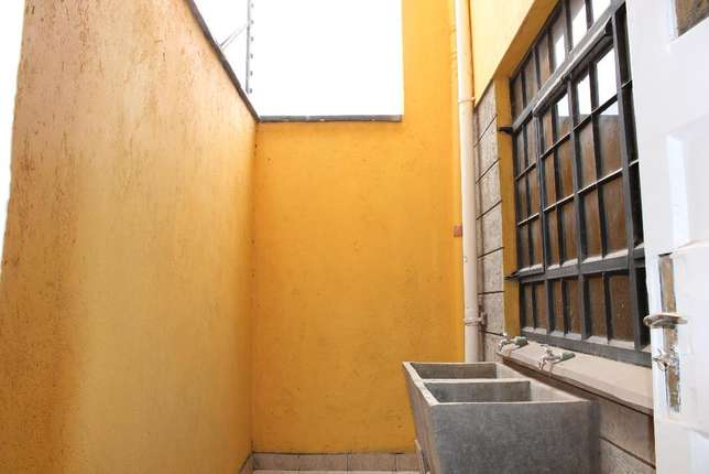 For Sale - 3 Bedroom Maisonette Syokimau - image 5