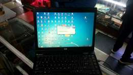 Clean HP laptop 250gb hard disks 2gb ram 4Hrs battery life time