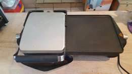 Handy Steak griller with flat top on the side
