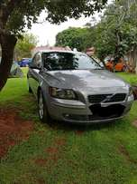 Volvo s40 t5 for parts or as is