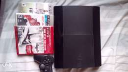 PlayStation 3 Super Slim 500GB Console PS3 + 3 Games