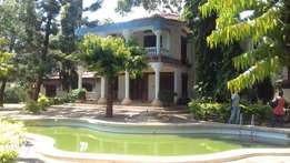 6 bedroom Maisonette with swimming pool - Nyali