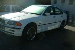 1999 BMW E46 318i Breaking for Spares.