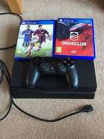 Ps4 console with fifa 15 and driveclub for R3400