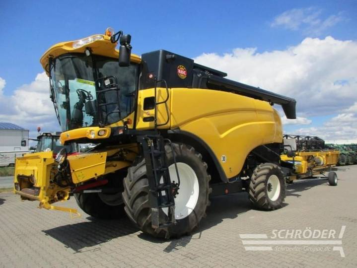 New Holland 8050 - 2010