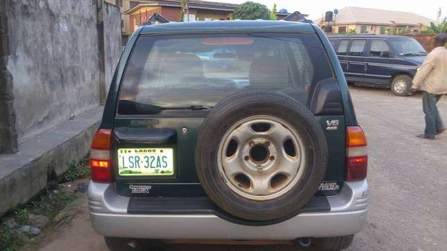 Suzuki Grand Vitara 2002 Model (Nigeria Used) Alimosho - image 6