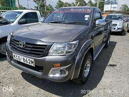 Toyota hilux pickup 2016 2wd 2500cc diesel locally assembled clean