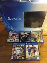 Yololo , brand new sealed in box ps 4 500gb bundle
