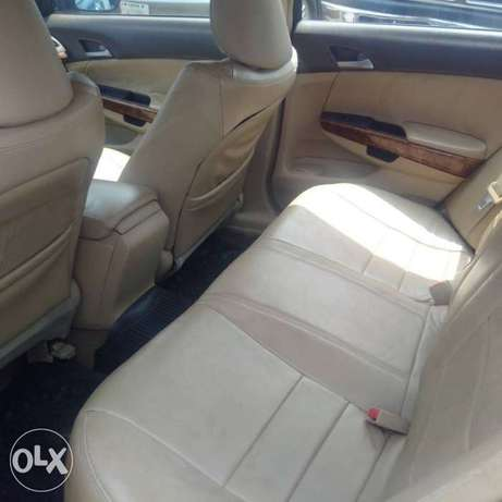 Extremely clean 07 accord with 4 plugs engine Port Harcourt - image 4