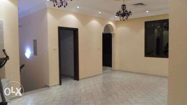 Beautiful 4 bedroom w/balcony in mangaf