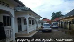 House with 2 bedrooms in kyaluwajjara town at 600k