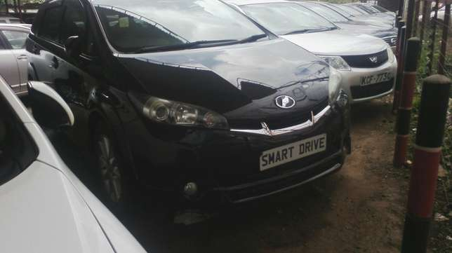 Black Toyota Wish. Parklands - image 1