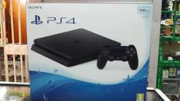 Ps4 slim new with game