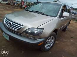 Fearly use Lexus RX 300 with full option