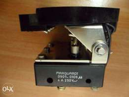 Marquardt Temperature Warning switch 4A 250V