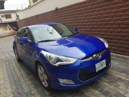 Sparkling clean Hyundai Veloster 2014model