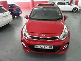 2015 Kia Rio 1.4 Tec, Color Red, Prince R195,000.