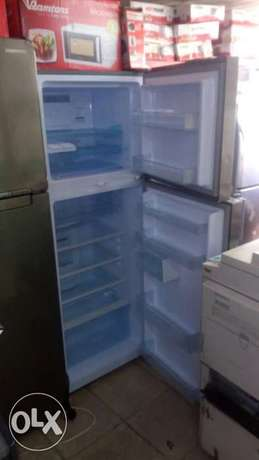 5yrs warrant fridge frost free Nairobi CBD - image 2