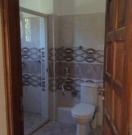 Appealing 3 bedroom Apartment FOR SALE Tudor Mombasa Island - image 6
