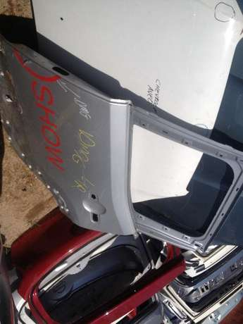 Good condition Genuine jeep renegade left rear & front doors for sale Bramley - image 2