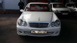 2005 Mercedes Benz C200 Classic, manual, 169 200km for R89 990.00