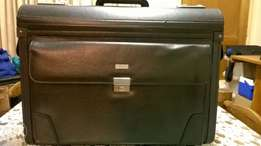 Tosca lawyer's briefcase/suitcase for sale