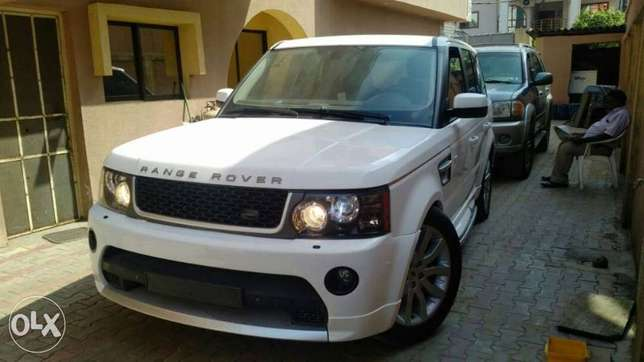 2008 upgraded to 2012 Range Rover Sport Lagos Mainland - image 4