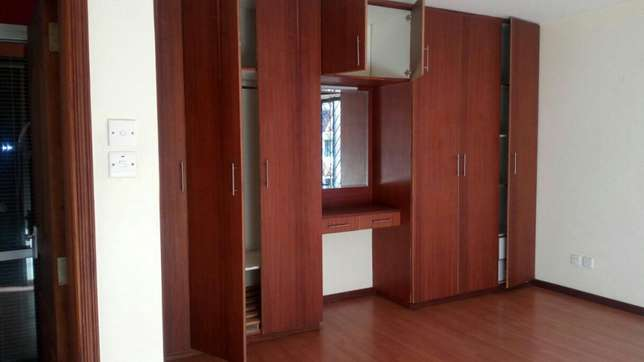 Executve 3 bedroom apartment with Dsq ,and Swimming pool Lavington - image 7