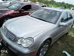 Mercedes Benz C350 4matic 2006 model