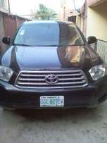 Registered Toyota Highlander 2010 basic edition with fabric