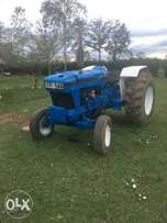 Ford 1982 tractor working