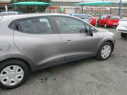 Renault clio Model 2015,5 Doors factory A/C And C/D Player