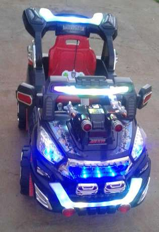 Ride on Battery op, R/C car Bloemfontein - image 2