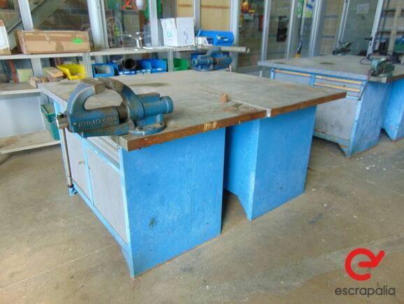 Sale banco con tornillo de apriete  equipment for  by auction