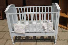 Wooden baby Cot S022451A