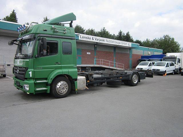 Mercedes-Benz 1833 AXOR Wechselfahrgestell 1. Hand 225000 Km AHK - 2009
